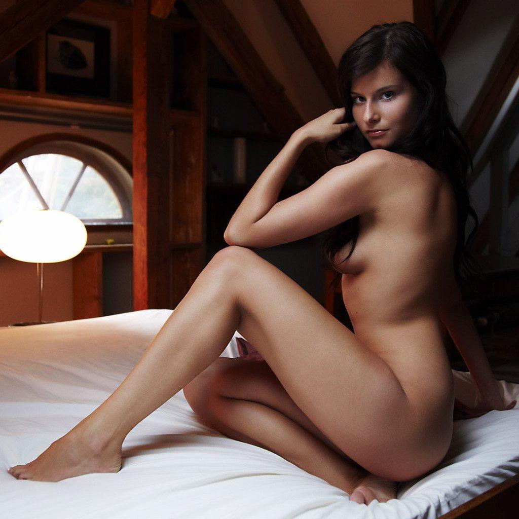 Errotica erotika – Ines a félhomályban