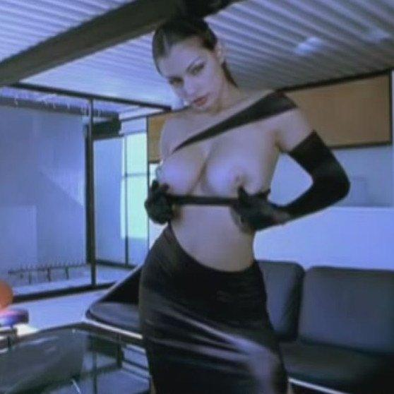 Videó erotika – Aria Giovanni maszturbál