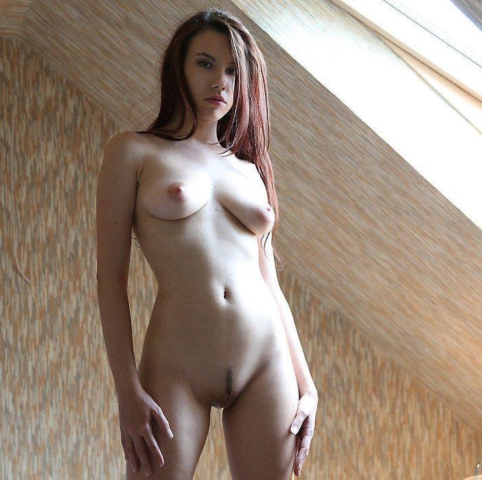 W4B erotika – Laura a padláson