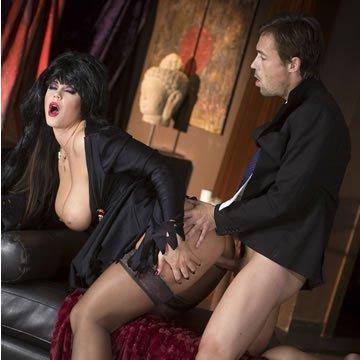 Allison Tyler – Lady Elvira dug