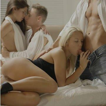 előkelő hármasban pornó