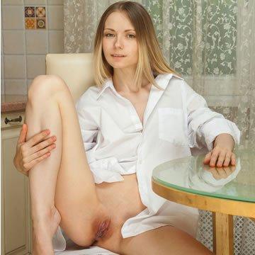 Természetes tinik – Leonore