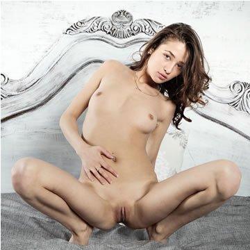 Erotika - Layna