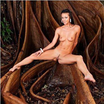 Melisa - mélyen gyökerező erotika