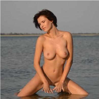 Erotika - meztelen