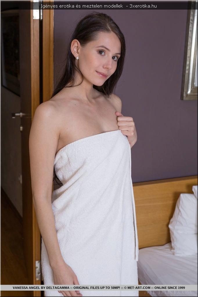lányok zuhanyozás pornó