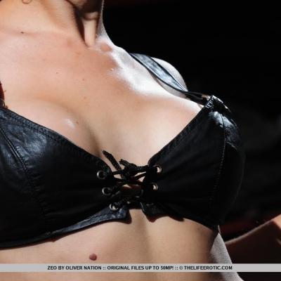 erotika-meztelen-zeo-105..jpg