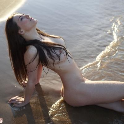erotika-meztelen-yara-101..jpg