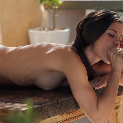 3x-erotika-little-caprice-112.jpg