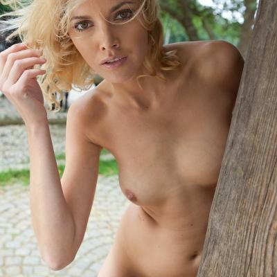 3x-erotika-lilly-103.jpg