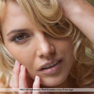 3x-erotika-lilly-107.jpg