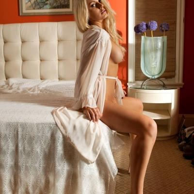 3x-erotika-playboy-danielle-loveland-105.jpg